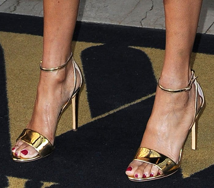 alesha-dixon-gold-sandals