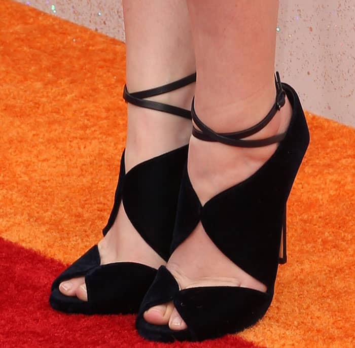 anna-kendrick-casadei-suede-ankle-strap-sandals