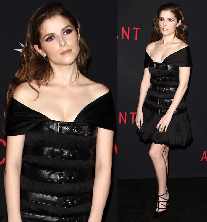 anna-kendrick-moschino-belt-dress