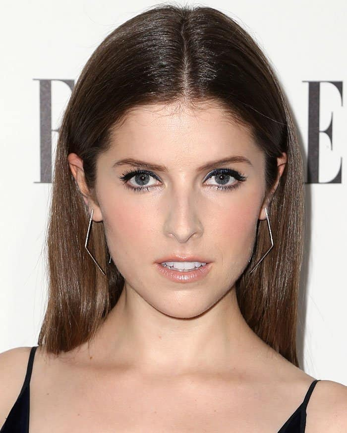Anna Kendrickwore her hair straight and sported minimal makeup
