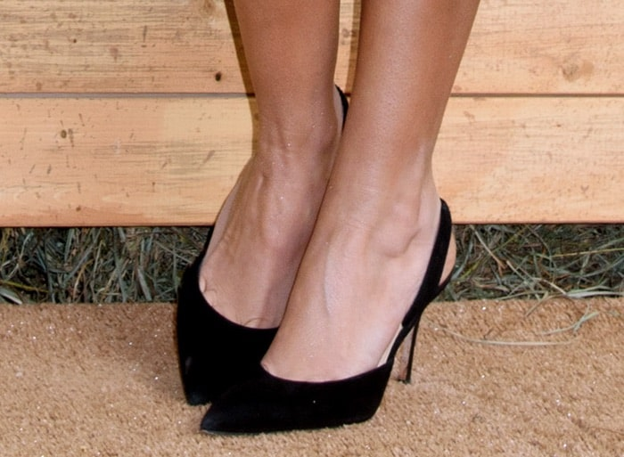 Ashley Tisdale's black slingback pumps