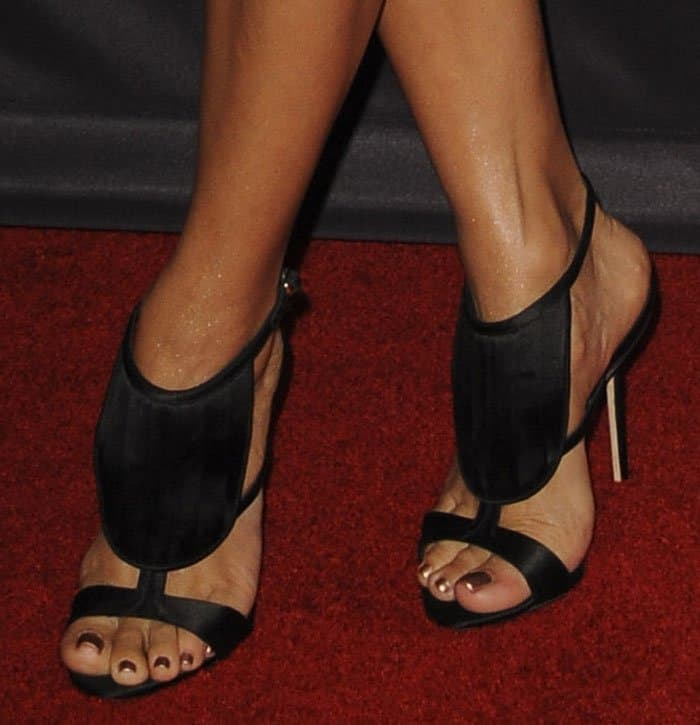 eva-longoria-olgana-paris-la-decouverte-sandals-1