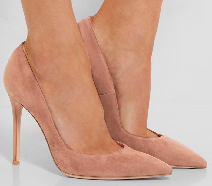 Gianvito Rossi Pumps in Praline Suede