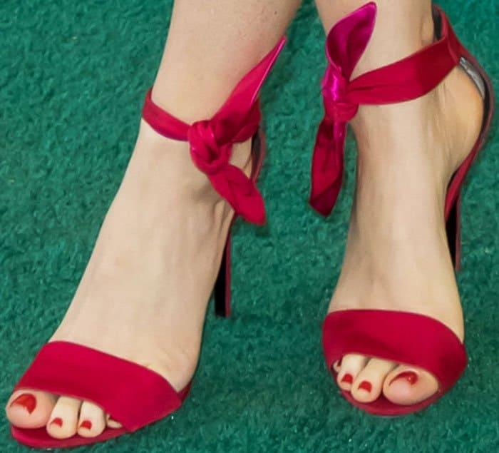 "Isla Fisher's sexy feet in romantic red Stella Luna ""Gabardine"" sandals"