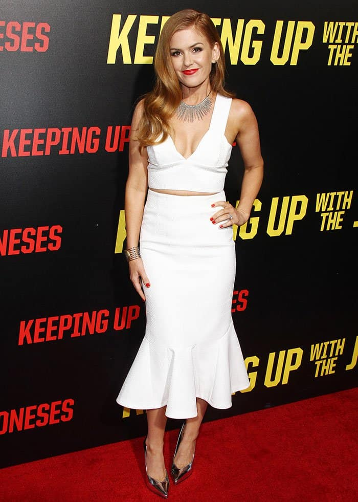isla-fisher-keeping-up-with-the-joneses-premiere