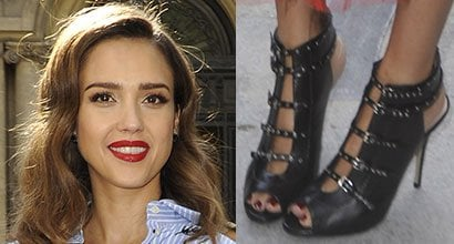 5f5658b2141 Jessica Alba  Sexy Legs in Red Lace Skirt and Valentino Love Latch Booties