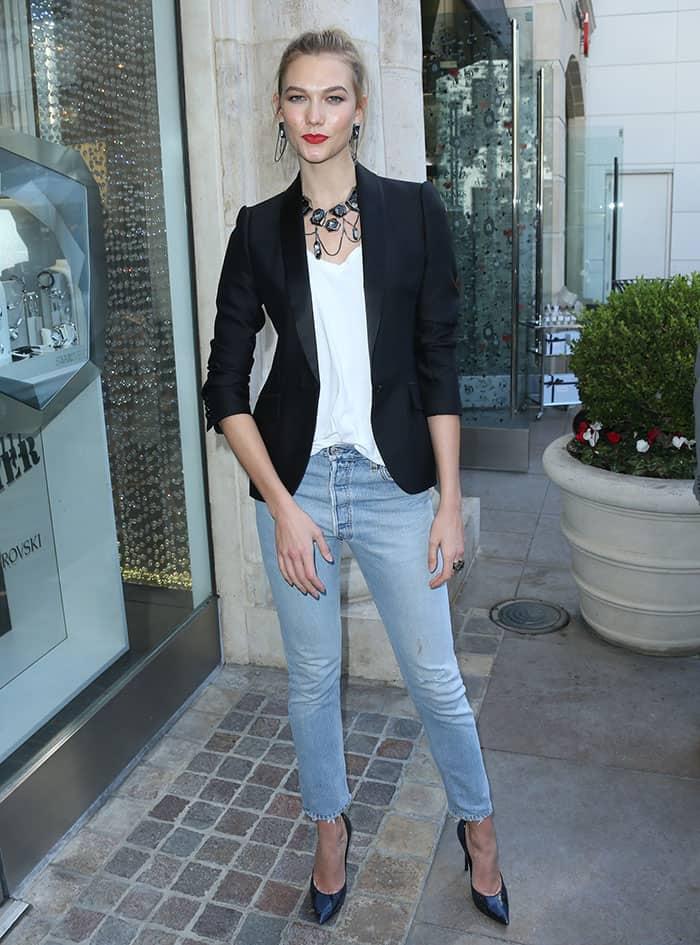 karlie-kloss-casual-look-swarovski-jewelry
