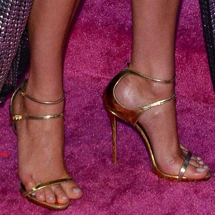 Karlie Kloss shows off her feet in Giuseppe Zanotti Darcie sandals