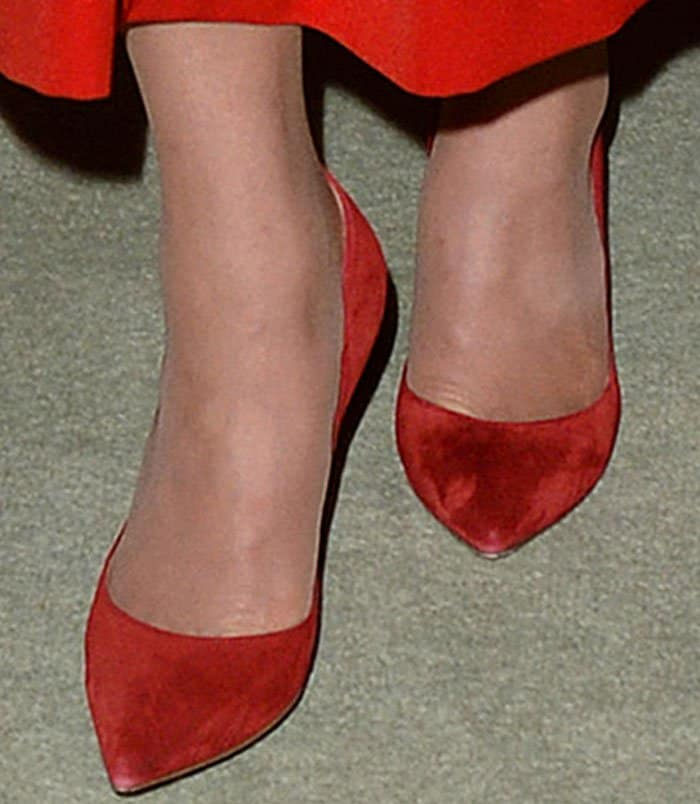 Kate Middleton's sexy feet in red suede Gianvito Rossi pumps