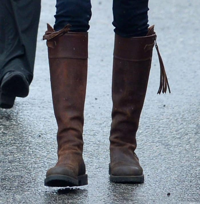 Kate wearing a comfortable pair of Penelope Chilvers tassel boots