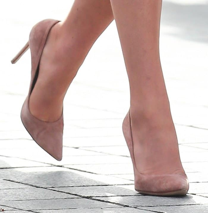Kate Middleton's feet in her favorite Gianvito Rossi suede pumps