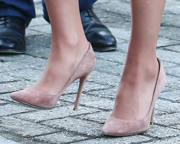 Kate Middleton's hot feet in Gianvito Rossi suede shoes