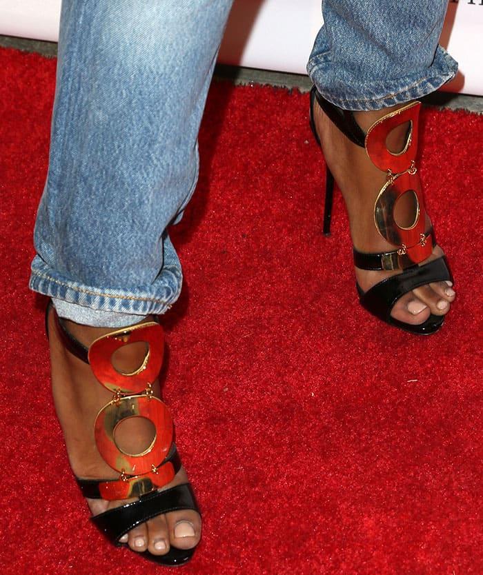 keke-palmer-giuseppe-zanotti-gold-black-sandals