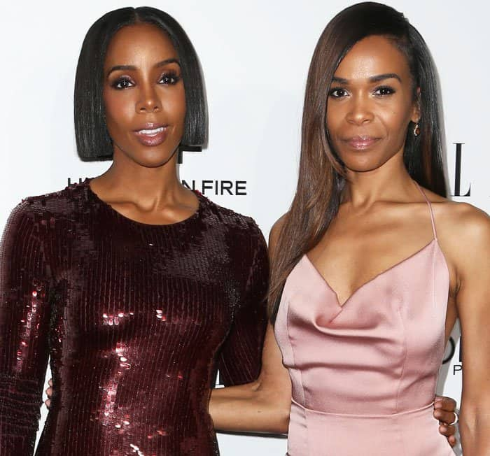 Kelly poses with Destiny's Child co-member Michelle Williams