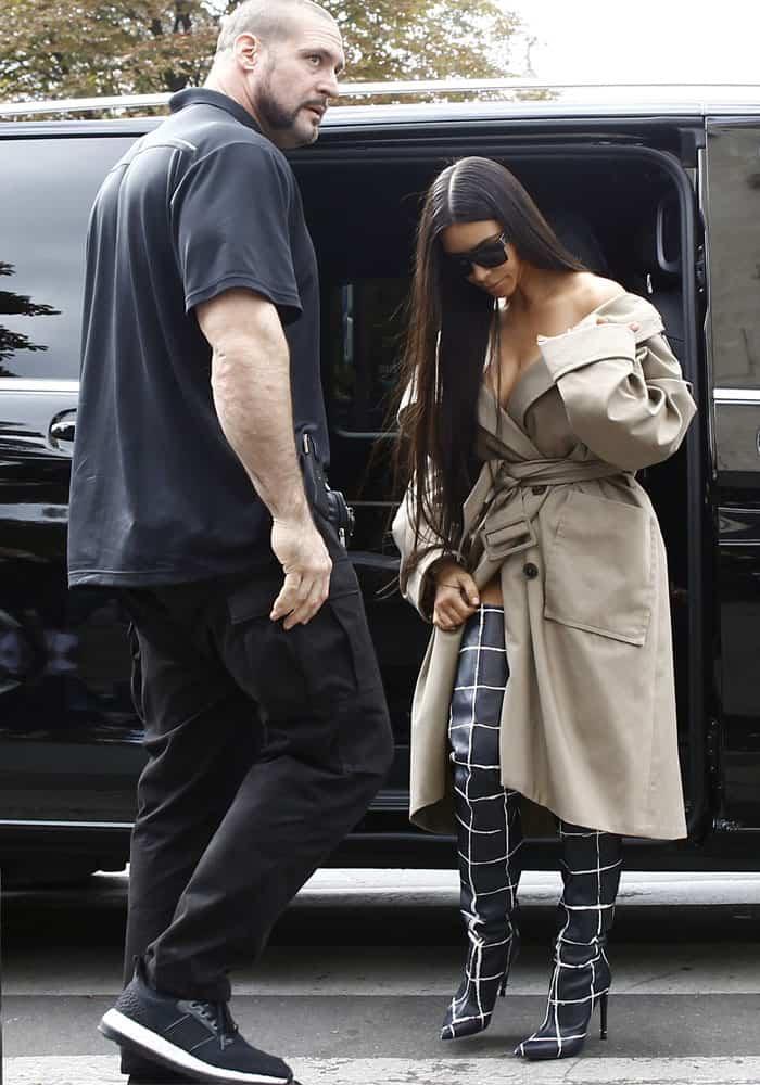 kim-kardashian-robbery-paris-balenciaga-4