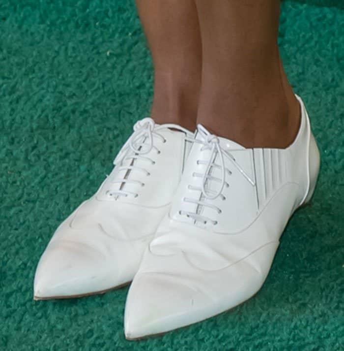 naomie-harris-christian-louboutin-white-platt-dance-oxfords