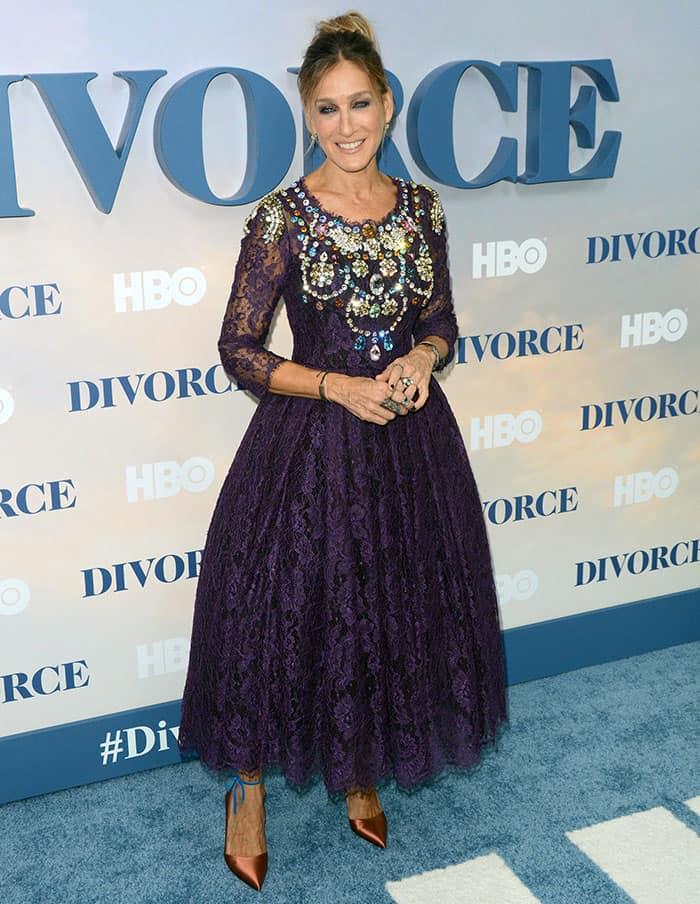 sarah-jessica-parker-regal-purple-lace-dress