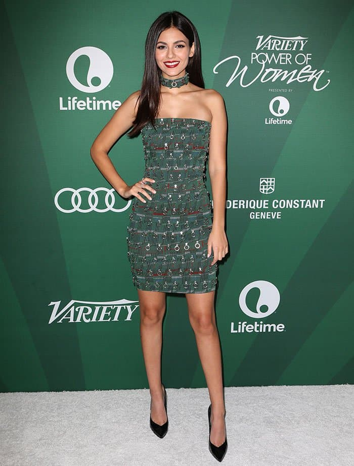 victoria-justice-legs-cleavage-green-embellished-dress