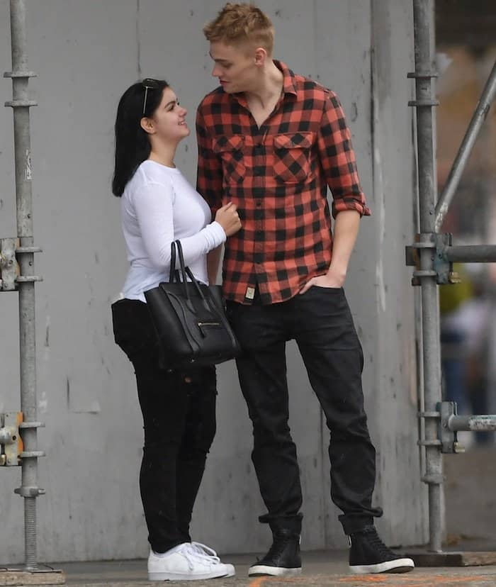 ariel-winter-with-boyfriend4