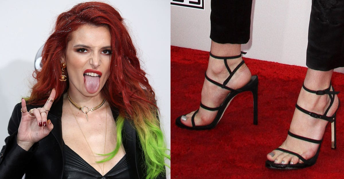 c79ad21196b Bella Thorne at AMAs in Stuart Weitzman  Courtesong  Sandals