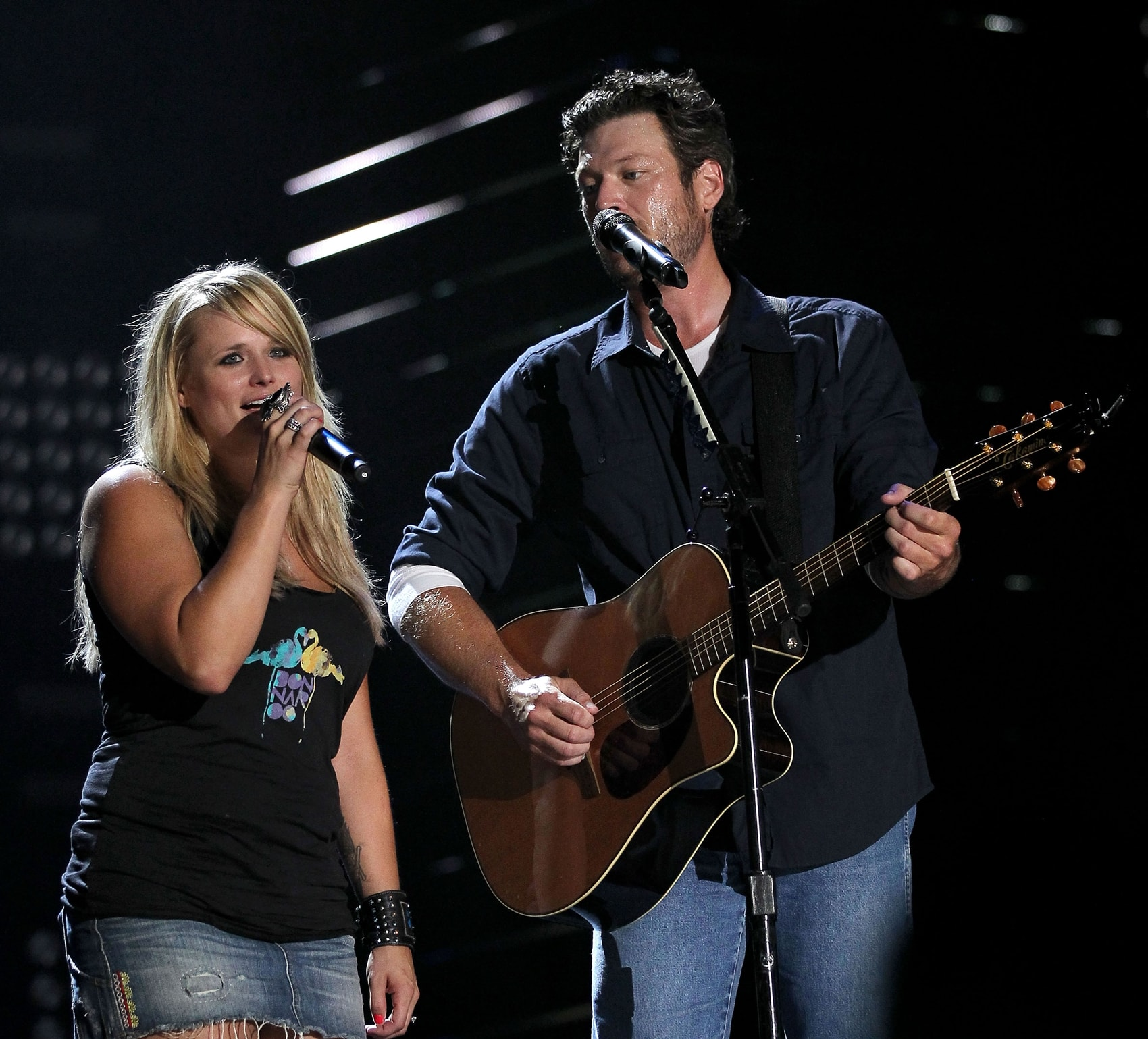 """Blake Shelton and Miranda Lambert perform his version of Canadian singer Michael Bublé's hit song""""Home"""" at the 2010 CMA Music Festival"""