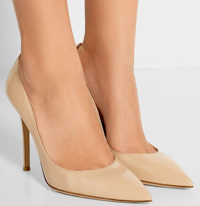 Gianvito Rossi pointy-toe pumps