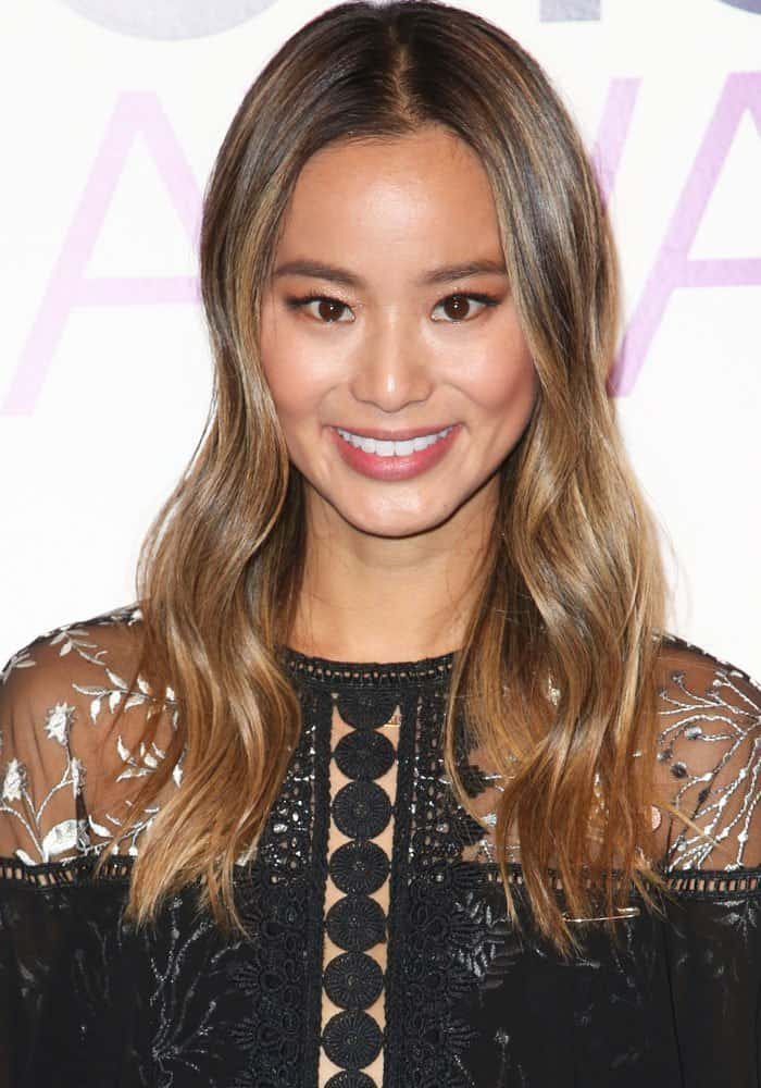 jamie-chung-peoples-choice-nomination-stuart-weitzman-1