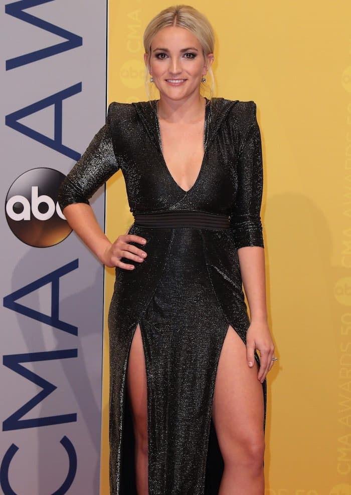 Jamie Lynn Spears surprised us all as she dressed up for the 50th annual Country Music Association Awards