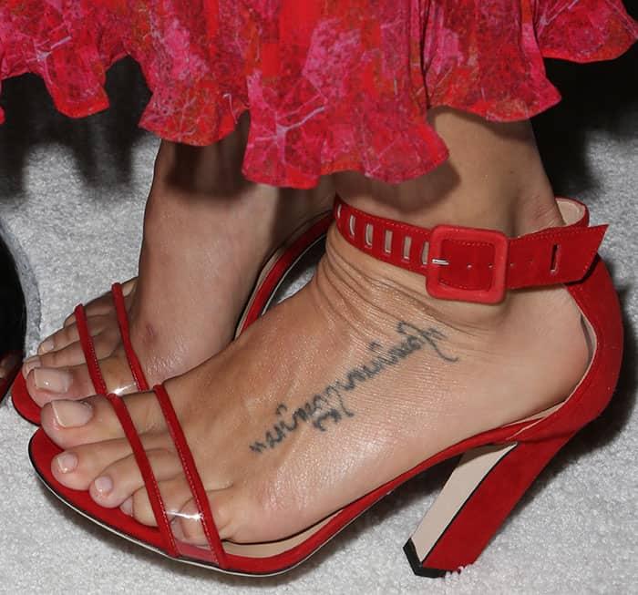 jenna-dewan-tatum-tamara-mellon-jagger-red-pvc-sandals