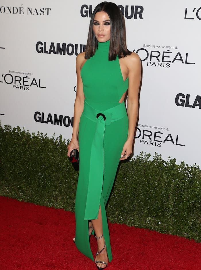 Jenna Dewan Tatum in a green Solace London gown for the Glamour Women of the Year awards on November 14, 2016 at the NeueHouse in Hollywood, California