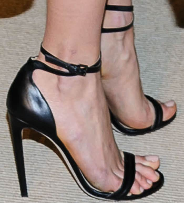 Karlie Kloss shows off her feet in CFDA honoree Chloe Gosselin's Narcissus sandals