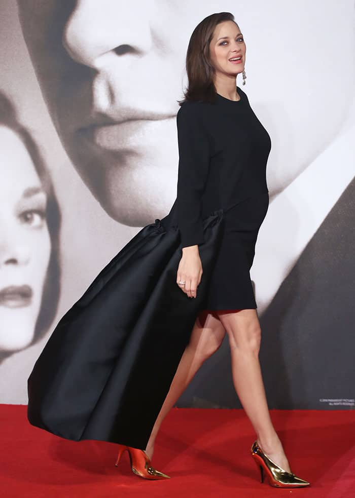 marion-cotillard-black-hi-low-dress-with-train