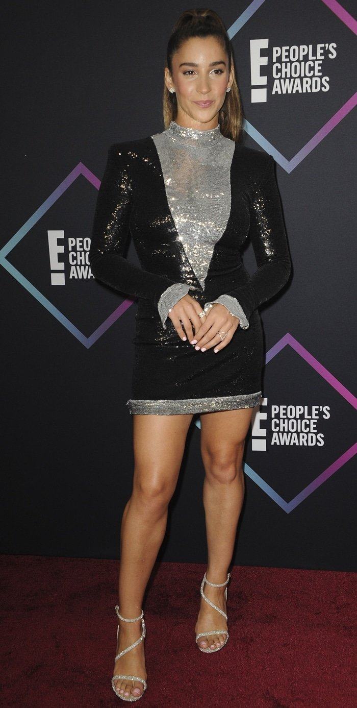 Alexandra Rose Raisman flaunted her legs at the 2018 Peoples' Choice Awards