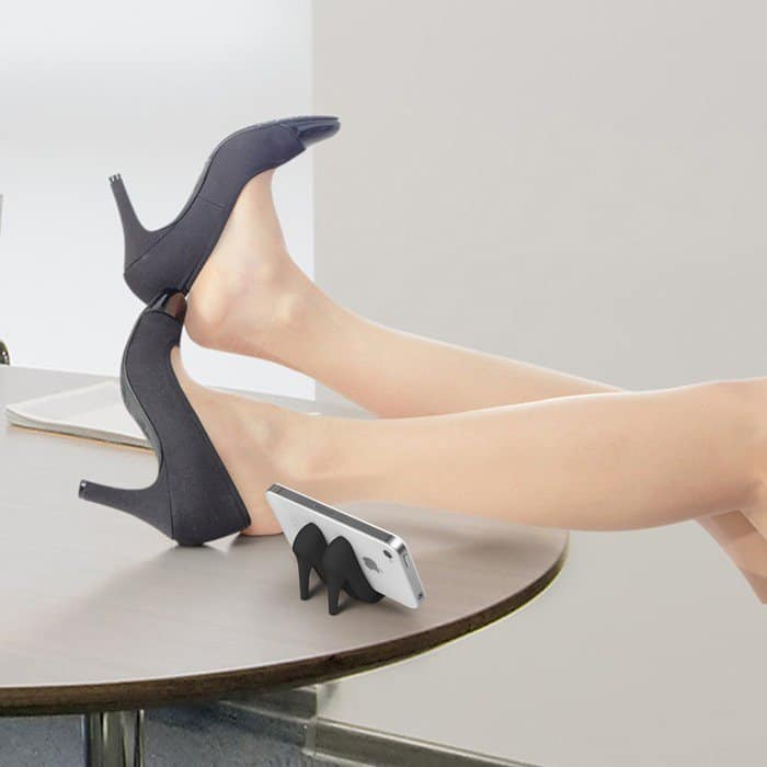 fred-friends-pumped-up-high-heel-phone-stand-black