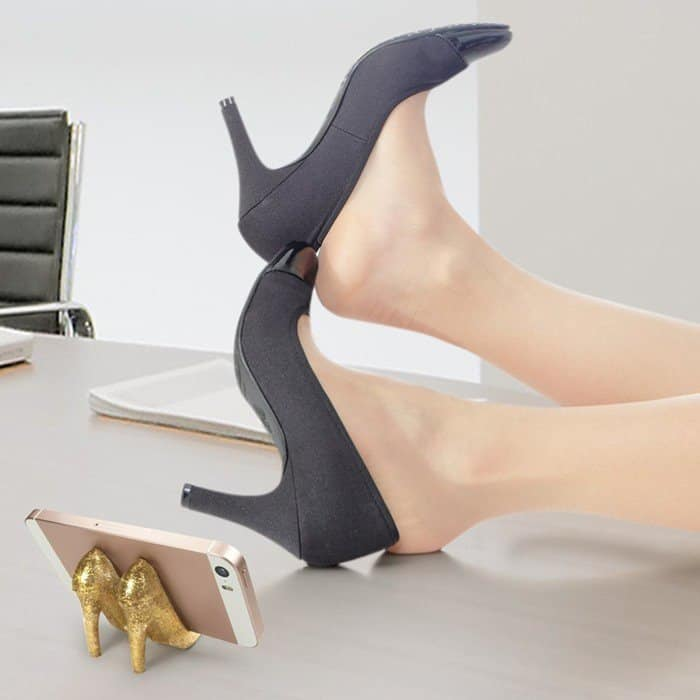 fred-friends-pumped-up-high-heel-phone-stand-gold