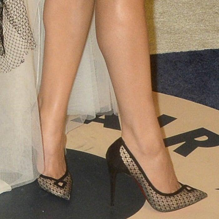 Hailee Steinfeld's feet insheer lace Christian Louboutin 'Neoalto' pumps