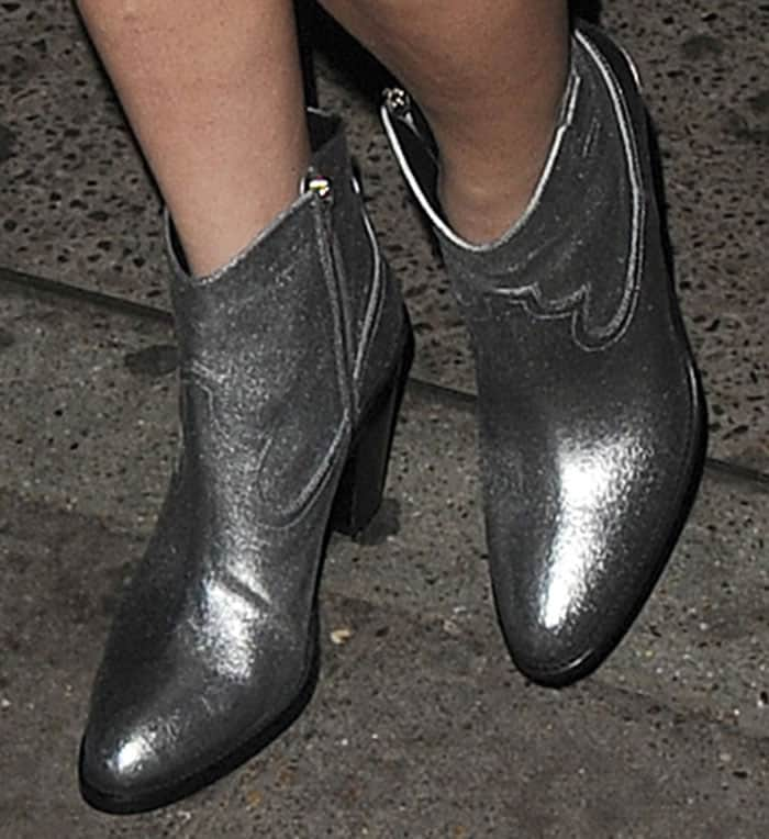 lady-gaga-saint-laurent-curtis-silver-metallic-boots