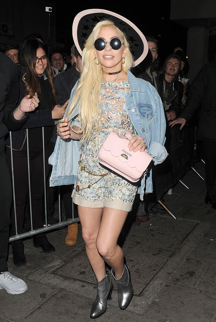 lady-gaga-legs-embroidered-short-suit-denim-jacket