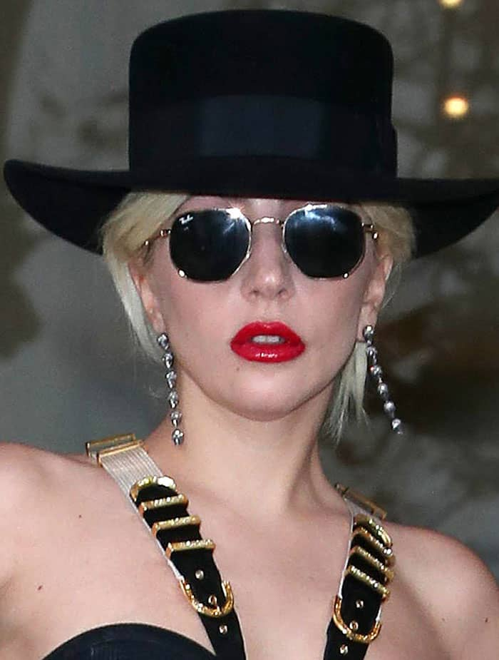 Lady Gaga's Ray-Ban sunglasses and black trilby hat