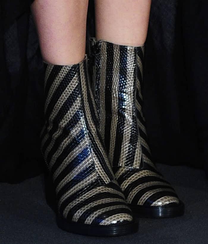 marion-cotillard-robert-clergerie-stripe-boots-1