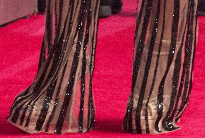 Nicole Scherzinger's platform sandals featuredouble ankle straps and whopping six-inch heels