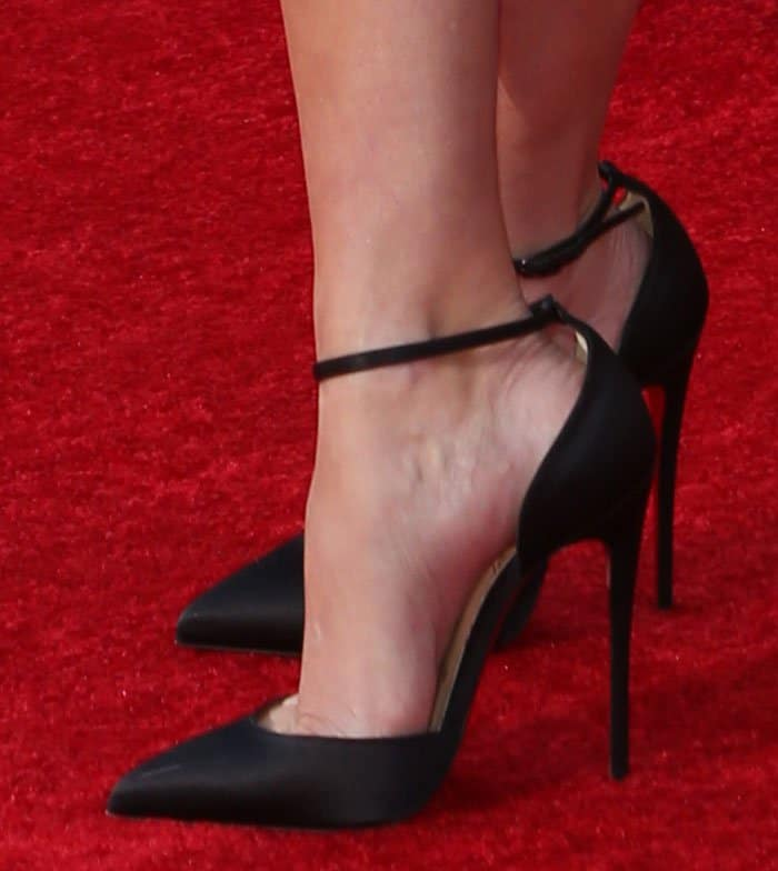 Reese Witherspoon in Christian Louboutin Uptown pumps