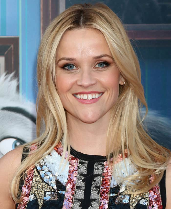 Reese Witherspoon wore her blonde tresses down with a center parting and sported soft makeup