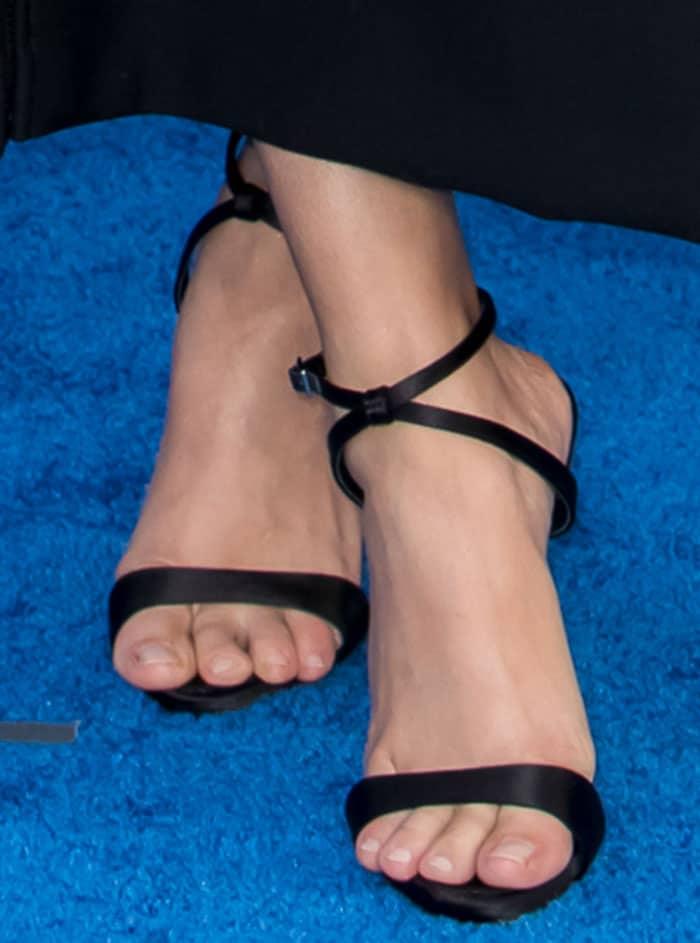 sarah-hyland-giuseppe-zanotti-sandals