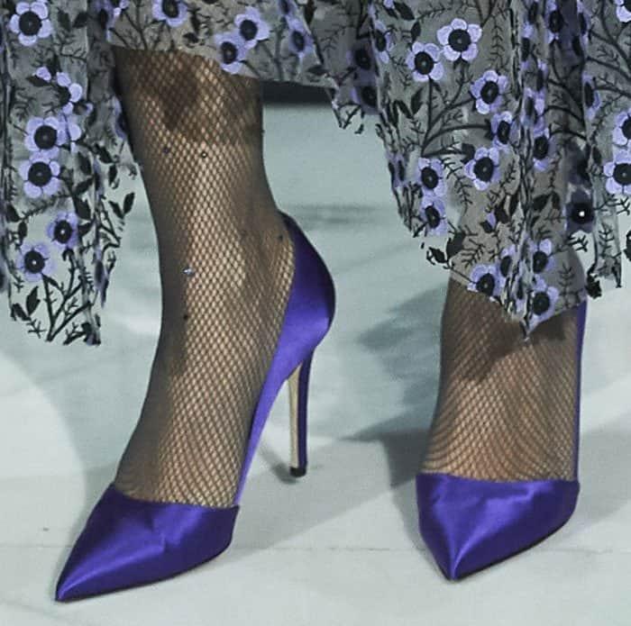 sarah-jessica-parker-rampling-purple-satin-pumps