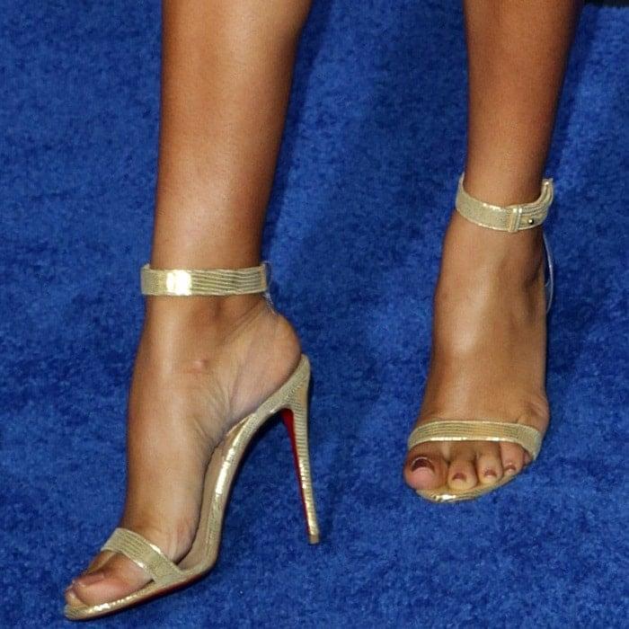 Yara Shahidi's feet inChristian Louboutin Jonatina sandals