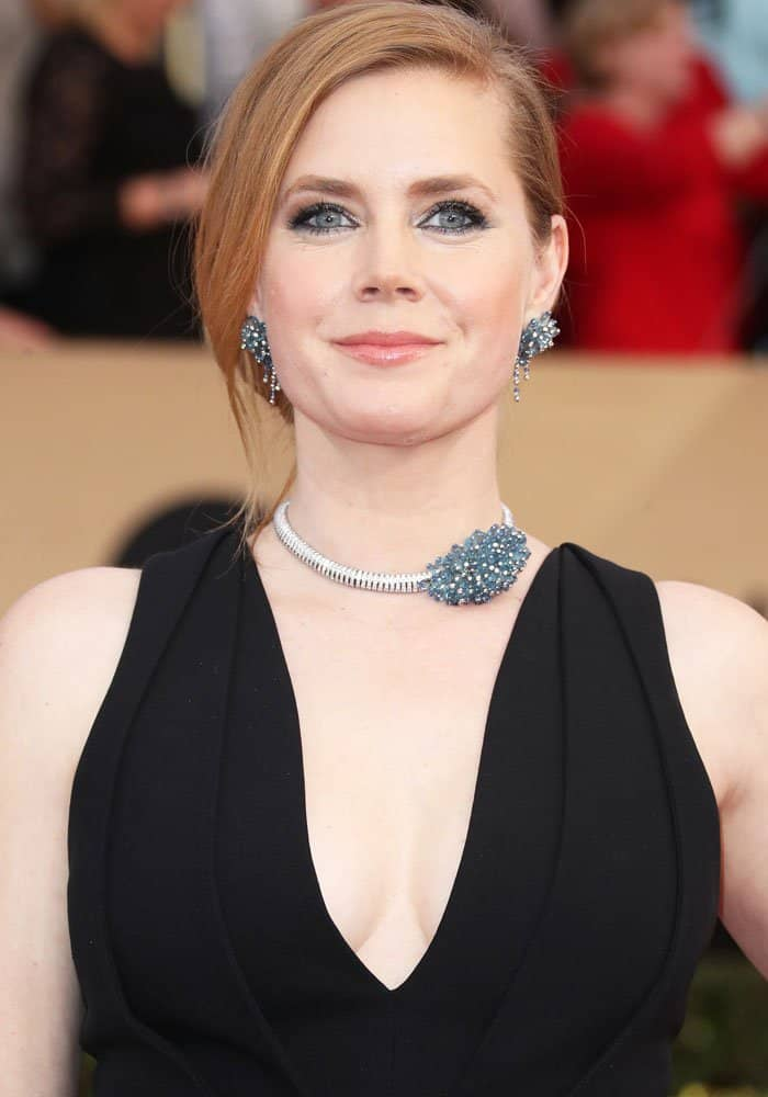 Amy Adams wears Cartier sapphires, aquamarines and diamonds in white gold