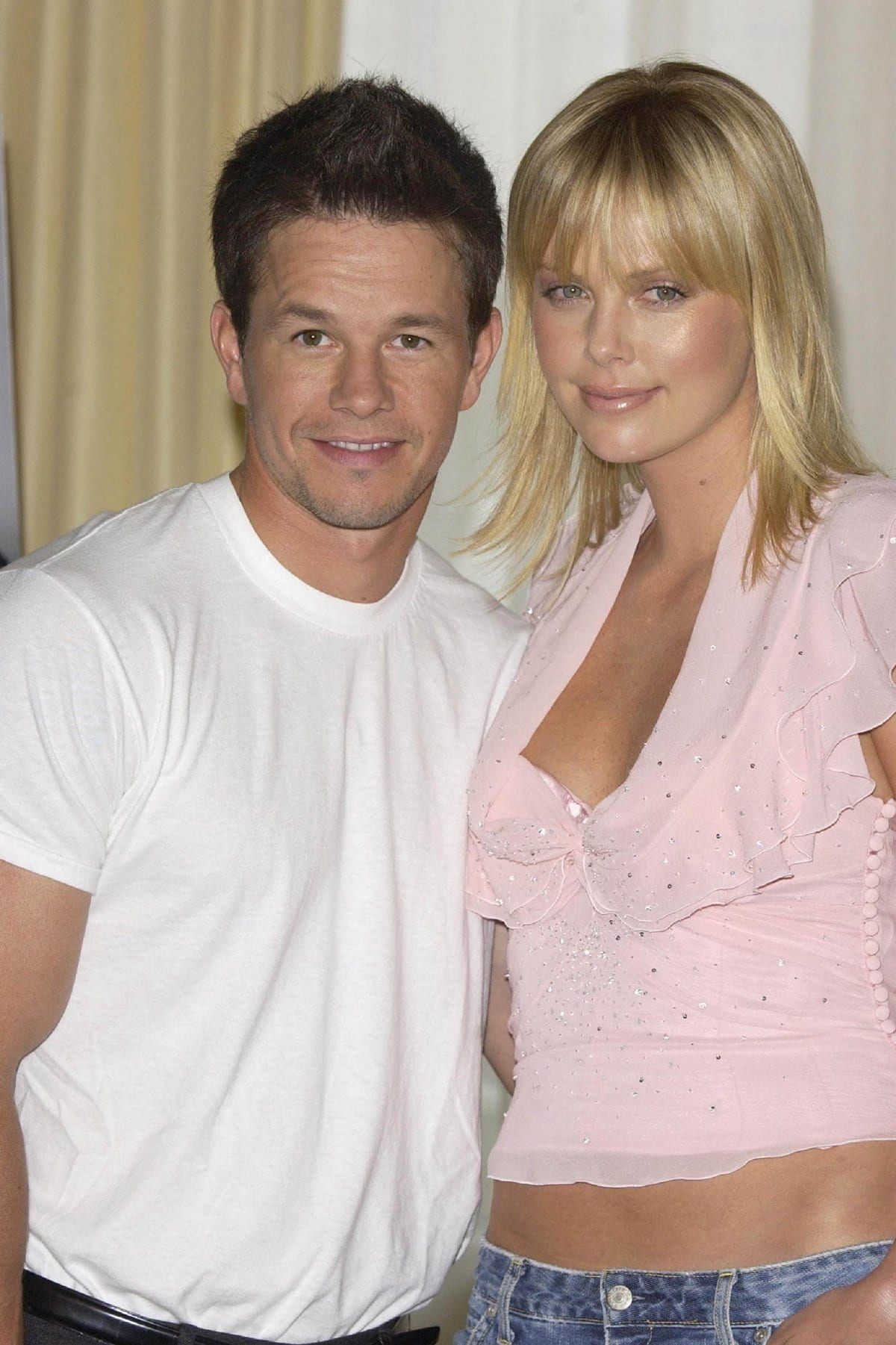 Mark Wahlberg and Charlize Theron are rumored to have dated while filming The Italian Job (2003) together