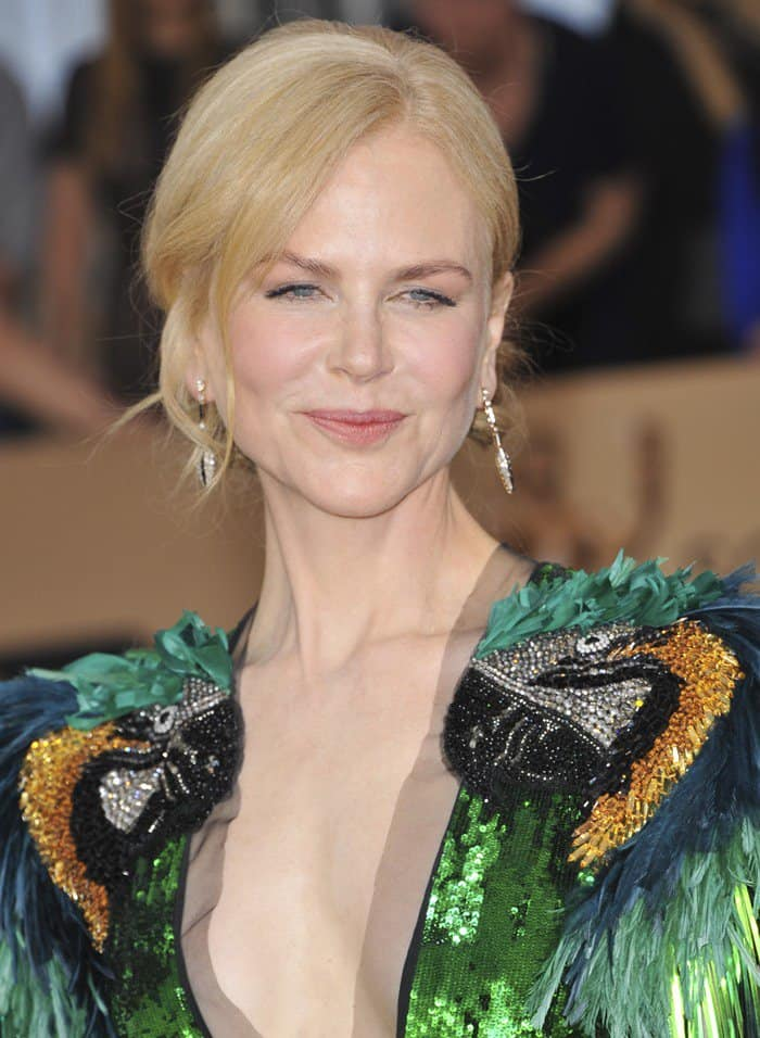 Nicole Kidman Wears Green Sequined Gucci Parrot Dress