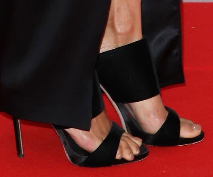 Alesha Dixon wearing Giuseppe Zanotti sandals at the 2017 Brit Awards